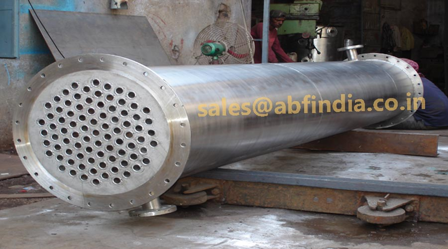 vapor cooling condensaor for resin plant